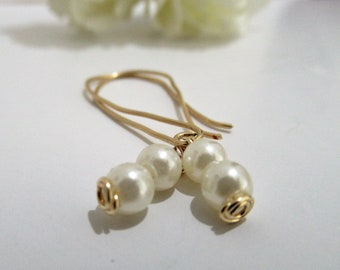 Pearl earring and goldfilled earrings for the bride Freshwater Pearls Gold Earring