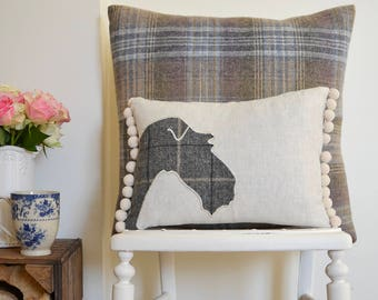 Fox terrier cushion with pompom trim | Linen cushion with tweed Fox Terrier design | Fox Terrier gift | Fox Terrier owner | Wire Fox Terrier