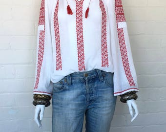 Vintage Embroidered Peasant Blouse//Bohemian Romanian Cotton Gauze Folk Blouse//Boho Hippie Ethnic Festival Top