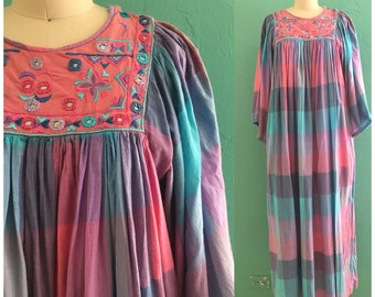 vintage 70's embroidered kaftan // maxi lounge dress // hostess dress