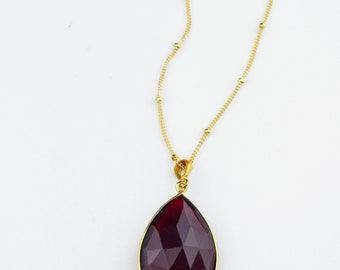 Garnet Necklace, January Birthstone jewelry, Gold necklace, teardrop red stone necklace, Garnet jewelry bridesmaid necklace, FINAL SALE