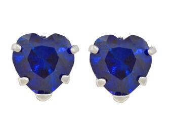 14Kt White Gold Blue Sapphire Heart Stud Earrings