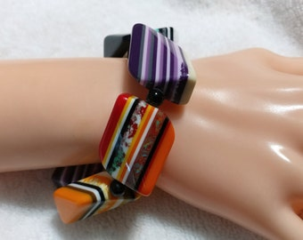 Colorful, layered Resin/Lucite Large Bead Stretch bracelet