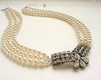 Art deco bridal necklace, Vintage wedding jewelry, OOAK rhinestone brooch pearl necklace, bridal jewelry statement necklace