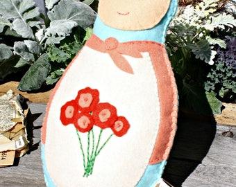Felt Nesting Doll - Matryoshka doll, Russian doll, felt toy, hand stitched doll, handmade doll, soft toy, stuffed doll