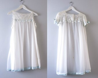 Vintage Peignoir Set | 1960s White Chiffon Bridal Wedding Peignoir Set M