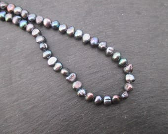 Baroque cultured pearls, iridescent dark gray, 6 mm to 7 mm * 10 beads