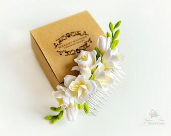 Bridal hair flower, Floral head piece, White hair flower, wedding hair flowers, Flower comb