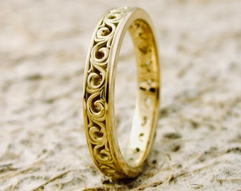 18K Yellow Gold Wedding Band with Detailed Scroll Work and Matte Finish Size 7