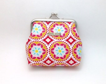Clasp Change Purse. Small Pouch Frame Purse. Clasp Purse. Coin Pouch. Metal Frame Coin Pouch.
