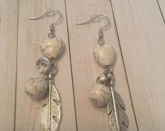 Hearts and Feather Earrings,Feather Earrings,Heart Bead Earrings,Feather Dangle Earrings,Heart Dangle Earrings