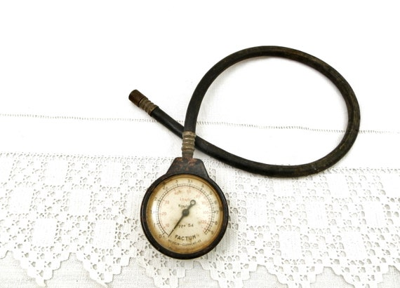 Vintage French Bakelite and Rubber Michelin Tire Pressure Gauge, Retro Garage Accessory From France, Old Auto Mechanic Tools Factum