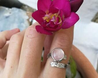 Rose quartz hammered sterling silver ring, quartz ring, pink gemstone δαχτυλίδι, κοσμώ, boho