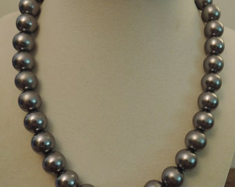 Grey Glass Pearl Necklace c1970s