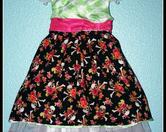 Girls Rockabilly Dress in Skulls & Bones and Flowers  ........Size 2