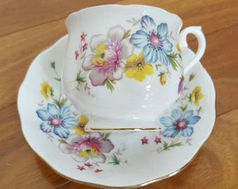 Collectible Royal Albert FLOWER BOUQUET Hampton Footed Tea Cup & Saucer Set, England