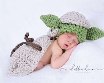 Baby yoda prop, baby photo prop, Crochet newborn Yoda cape, star wars yoda, baby yoda costume, photo prop, newborn prop, baby shower gift