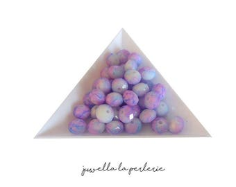 """Pearl glass rounds/donuts """"POPPY"""" with mauve facet, white and blue"""