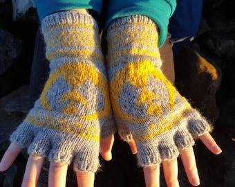 Star wars rebel alliance fingerless gloves| Hand knitted gloves