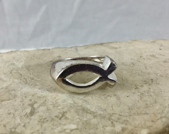 Vintage 925 Sterling Silver Ichthus Fish Ring Christian Religious Theme Ring Size 5.75