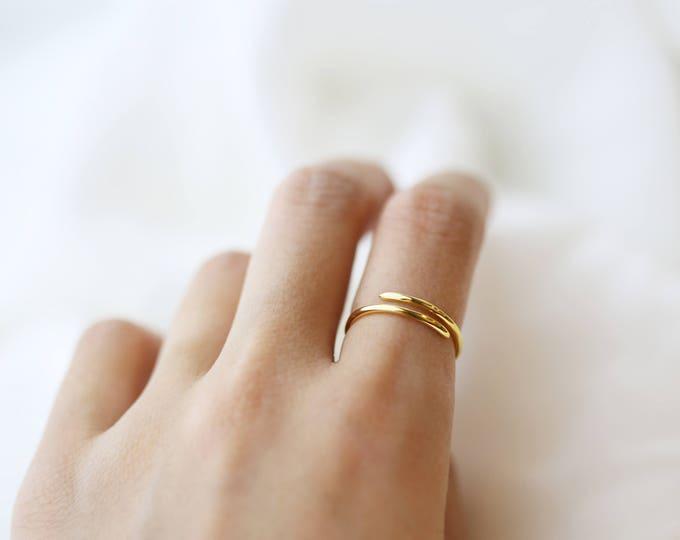 Simple spiral ring, Thumb of ring , Phalanx spiral ring, Minimalist silver ring // Stacking Rings // Dainty Rings