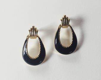 black and gold door knocker earrings | pierced earrings | statement earrings | 90s earrings | Able Shoppe