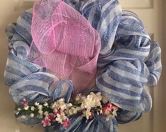 Spring wire mesh wreath