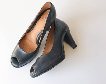 Navy Leather Peep Toe Heels Size 7, Leather Heels, Womens Navy Peep Toe Heels, Navy Leather Shoes, Womens Pumps, Open Toe, Leather Pumps