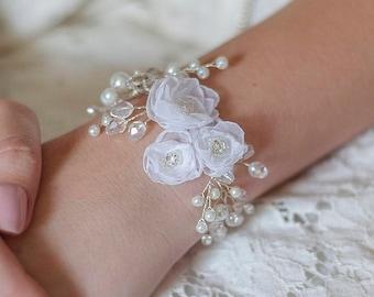 Bridal bracelet Set- Wedding Bracelet & Flower Hair Accessory-Pearl Bridal Bracelet-Bridesmaid Gift Set-Bridesmaid gift- Bridal Hair pins