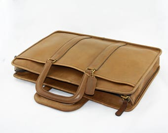 Vintage Coach Breifcase Portfolio Laptop Case Style No.  3704 in Tan  Glove-Tanned Leather, Made in USA