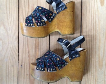 lovely wooden platform shoes size 6