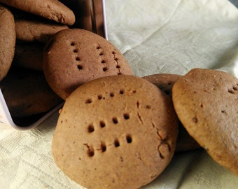 Gingerbread Cookies - GF, Vegan, Refined sugar-free.
