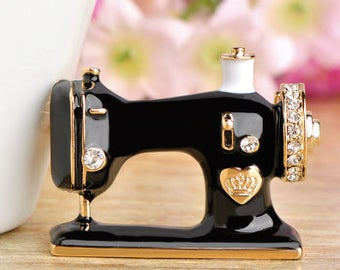 Sewing machine brooch, black enamel with crystals, pin, jewelry, collar or scarf decoration, sewing badge decoration