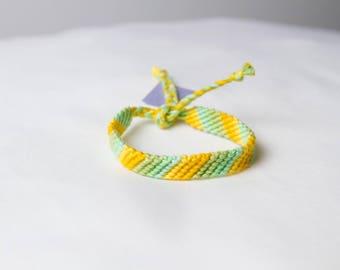 Friendship bracelet 53a - Pastel collection