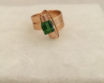 Size 7 wire ring with green bead
