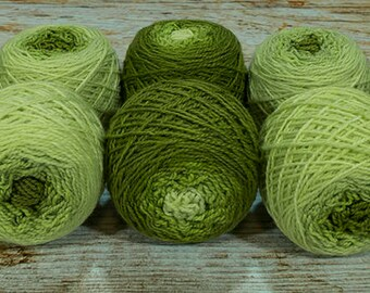 "Shorty Sock Twins "" Serpent Green "" - Lleap Handpainted Semisolid Gradient Sock Yarn"