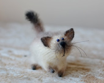 Cute siamese cat art doll knitted toy fiber cat kitty doll needle felt kitten stuffed animal home décor kawaii cat plush felt gift for her