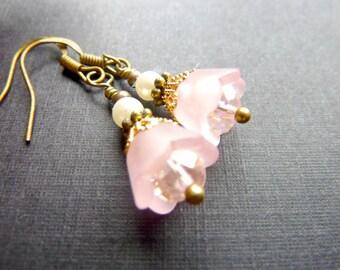 Pale Pink Earrings Flower earrings frosted bell flower vintage earrings