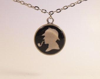 Sherlock Holmes Silhouette, Round Necklace