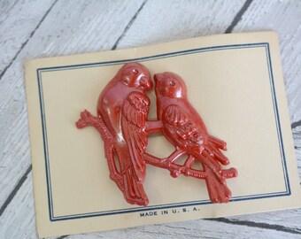 Vintage Deadstock Unused Plastic Lovebirds Brooch on Original Card Packaging