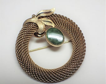 1980s Vintage Mesh Circle Brooch A & Z 1/20 12K Gold Filled with Jade