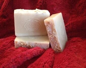 Sweet Oatmeal - Oatmeal and Honey - Handcrafted Vegan Bar Soap