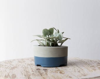 Medium Concrete Planter, Slate
