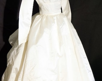 1950s Womens Ivory Acetate Wedding Dress Sz 2 Vintage Retro