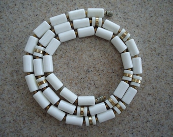 Vintage White and Goldtone Beaded Necklace