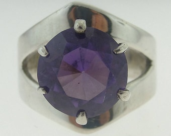 Vintage Amethyst Solitaire Ring - Sterling Silver