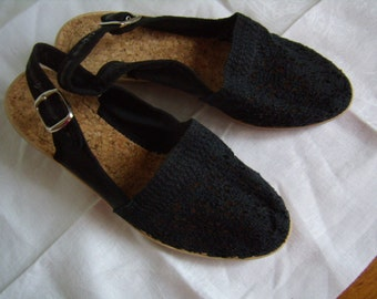 Vintage women sandals, point. 37 black 1990 with side loop lace fabrics