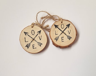 Love  arrows wood slice ornament / Christmas ornament / gift tag