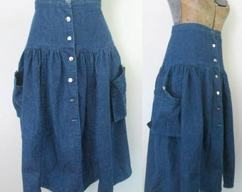 Big Pockets Denim Skirt Button Front 28 Inch Waist / Vintage 1980s Jeans Fashion Clothing