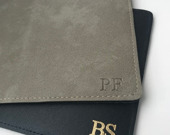 11 colours available! Personalised leather passport holders | Travel essential